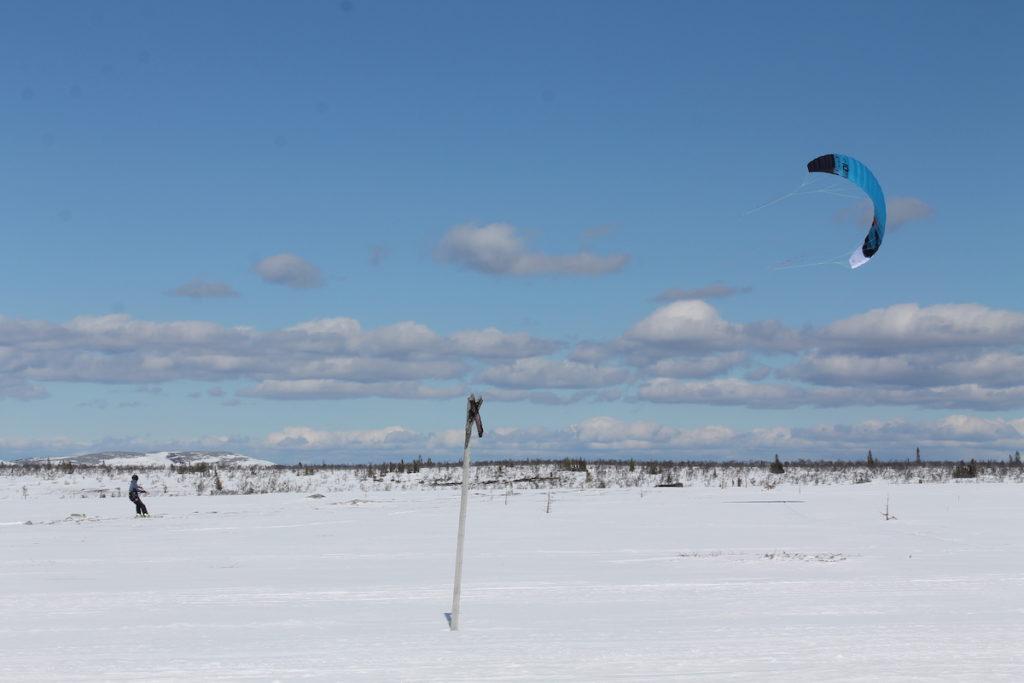 Kiteskidåknng på fjällplatån.